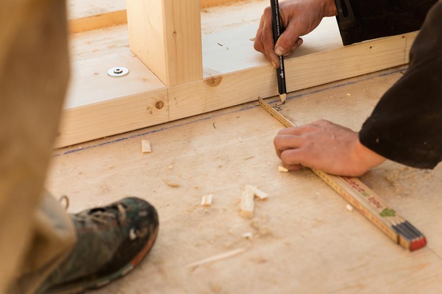 Nachhaltiger Baustoff: Holz wächst nicht nur nach, je nach Behandlung lassen sich die Bauteile auch komplett recyclen.