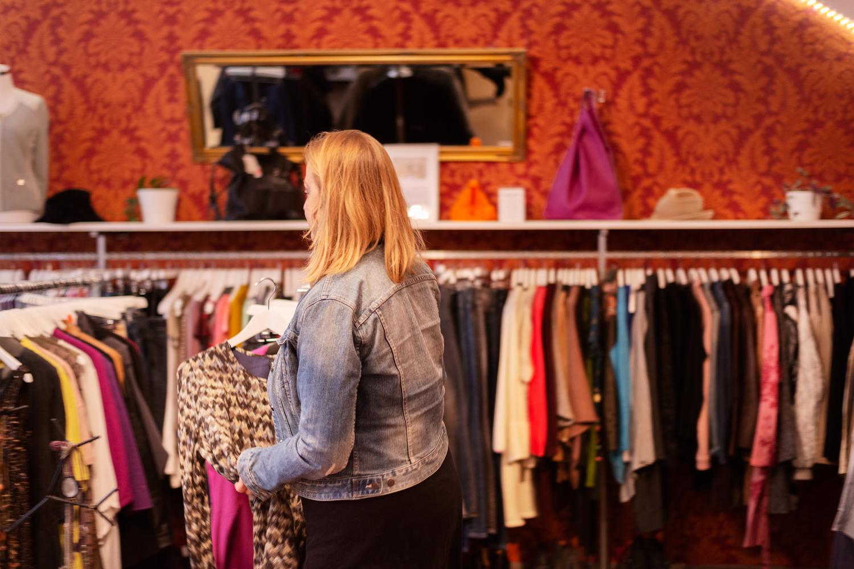 Bewusster shoppen: Früher ging Nunu Kaller einkaufen, um sich abzulenken. Heute kauft sie nur ausgewählte Stücke.
