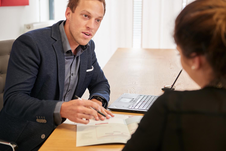 """""""Sehr freundlicher und fachlich versierter Berater"""", so beschreiben ihn seine Kunden."""