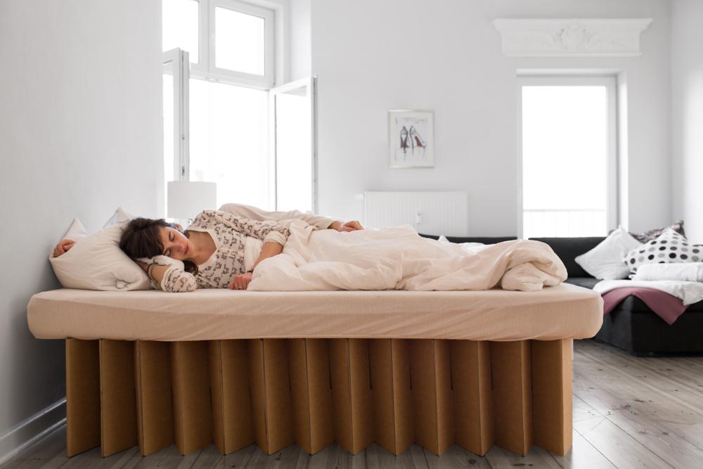 f r sie entdeckt superleichte m bel aus papier w stenrot mein leben. Black Bedroom Furniture Sets. Home Design Ideas