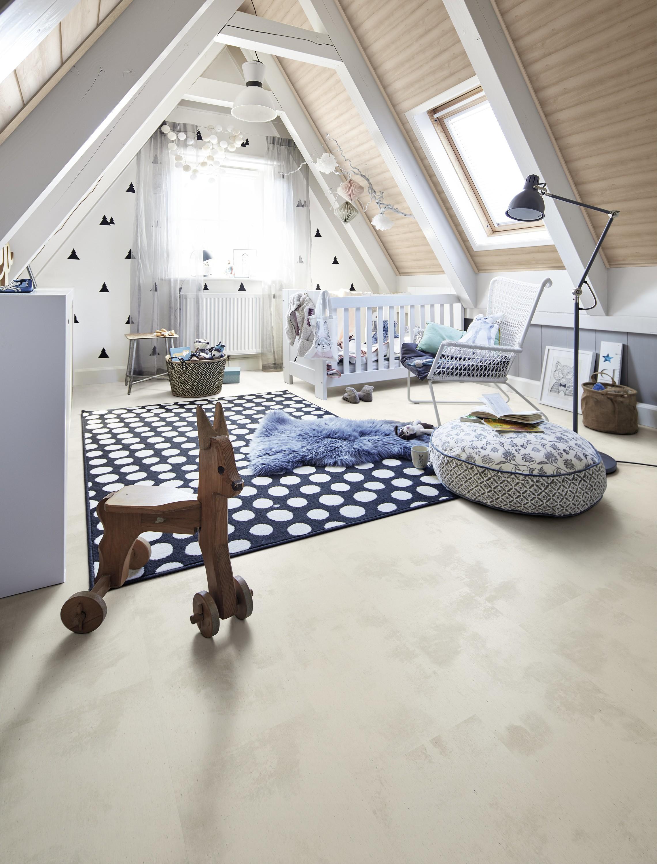 Schallschluckend und angenehm warm beim Spielen auf dem Fußboden – Kork.