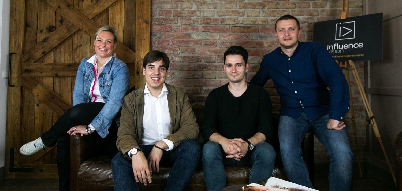 Florian Bösenkopf (2. von links) und sein Team bringen Influencer und Unternehmen zusammen.