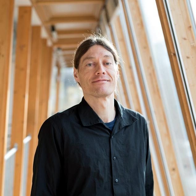 Diplom-Ingenieur Armin Knotzer ist wissenschaftlicher Mitarbeiter am AEE - Institut für Nachhaltige Technologien in Gleisdorf bei Graz