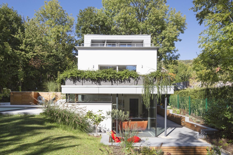 Für die Sanierung des 50-Jahre Hauses erhielt das Architektenbüro den ETHOUSE Award.