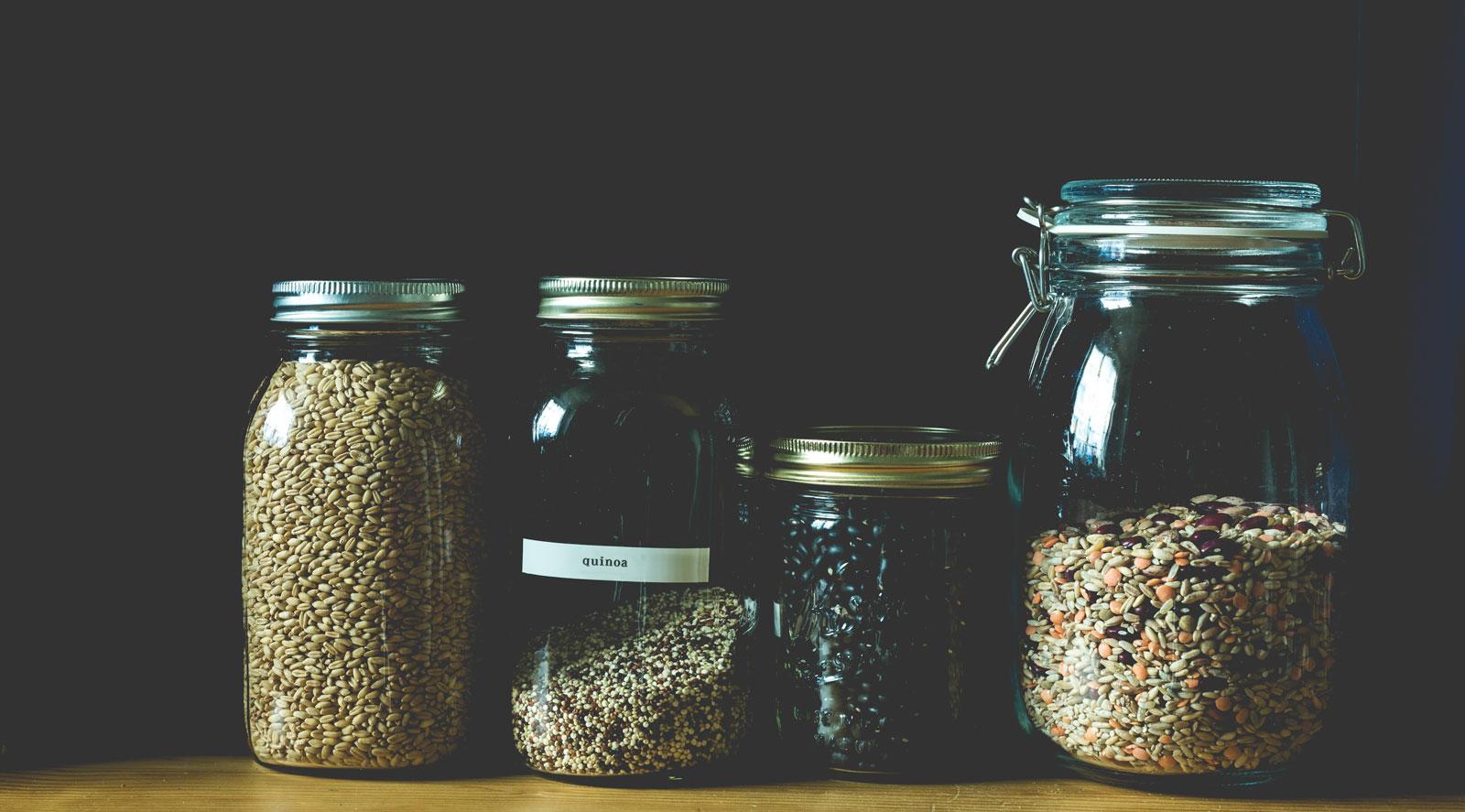 Gut verschlossen: Unverpackte Lebensmittel kannst du in Mehrweggläsern aufbewahren.