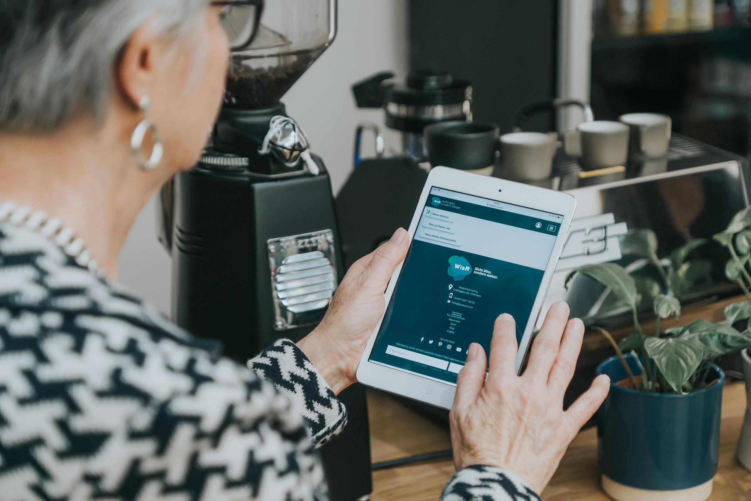 Das Wiener Startup WisR hilft weltoffenen und aktiven Pensionisten, den Silver Agern, noch einmal durchzustarten.