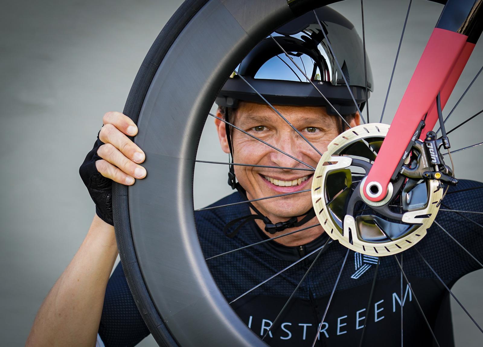Peter Huber: Autor, Manager, Coach und –Radsportler