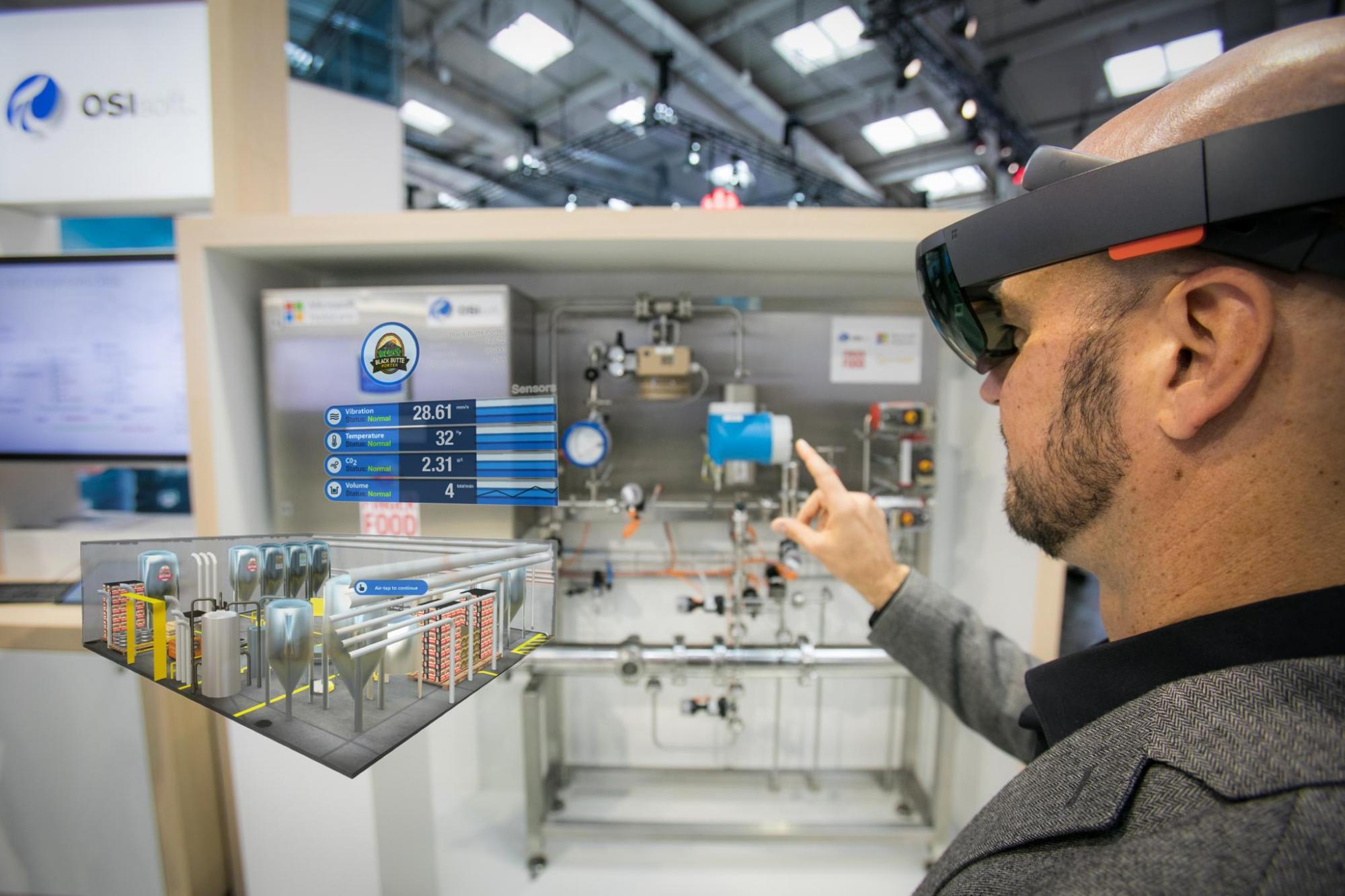Vorausschauend warten: Künstliche Intelligenz bringt die Maschinendaten auf die Brille.