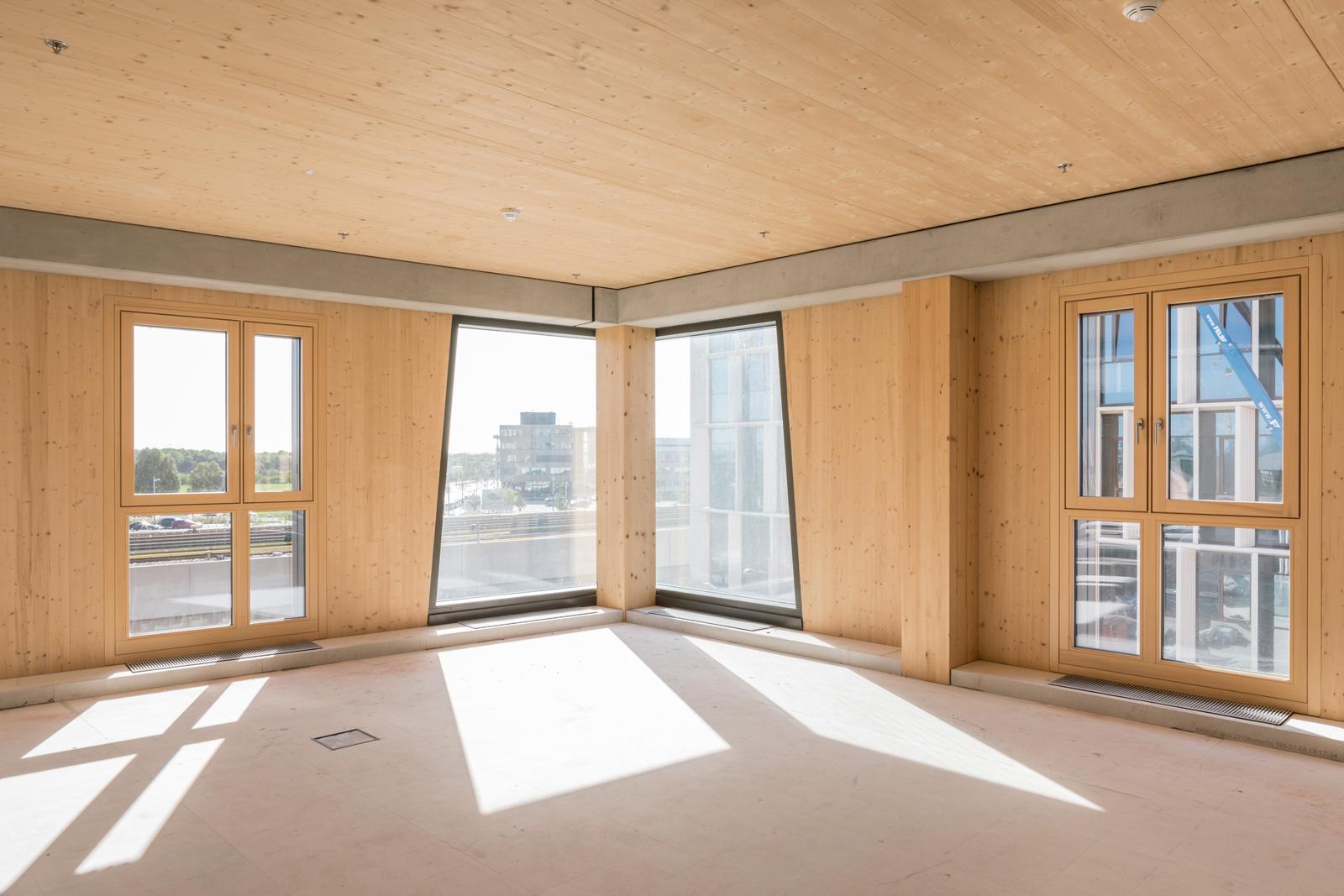 Modernes Holzhaus: das HoHo Hotel