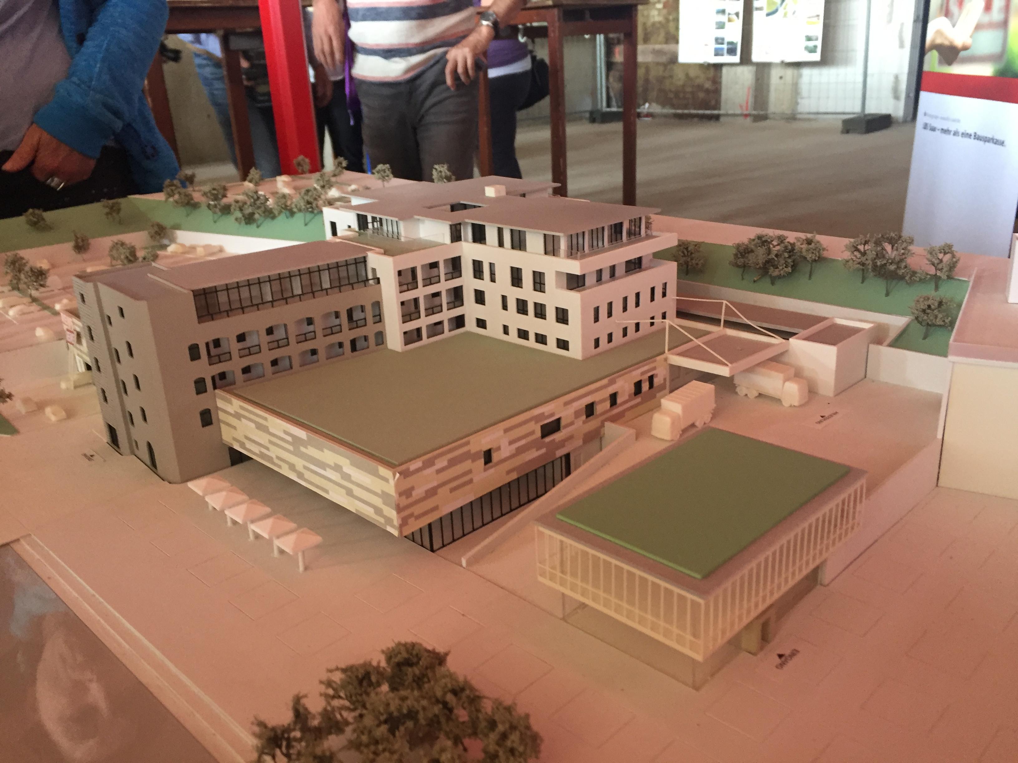 Im der saarländischen Illingen wird aus einer Wurstfabrik ein Zentrum mit Wohnungen, Arztpraxen und Freizeitangeboten.