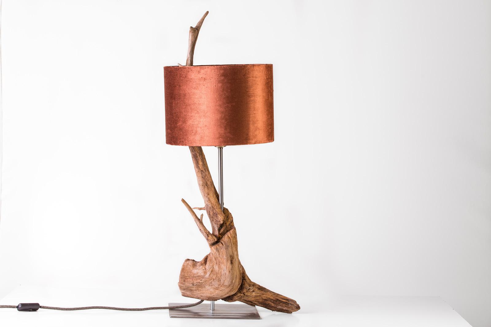 Jedes Stück ein Unikat: Lenzholz-Lampe