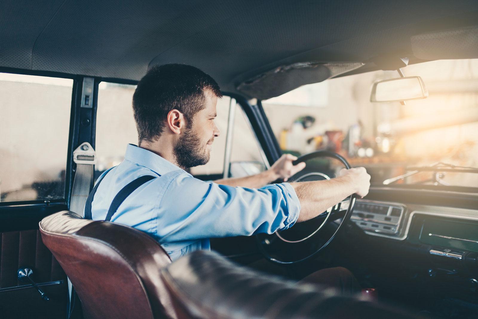 Neu, gebraucht oder Oldtimer? Der Fahrspaß hängt nicht unbedingt vom Alter des Autos ab.