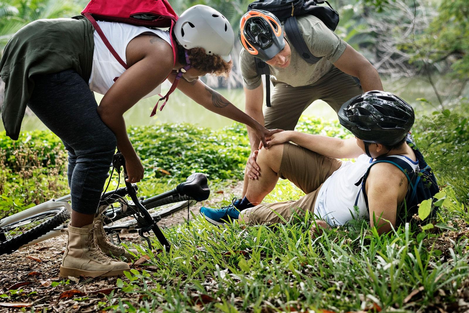 Unfallversicherungen mit Zusätzen wie einem Sport-Paket erweitern den Langzeitschutz auch auf die Freizeit und auf deine Lieblingshobbys.