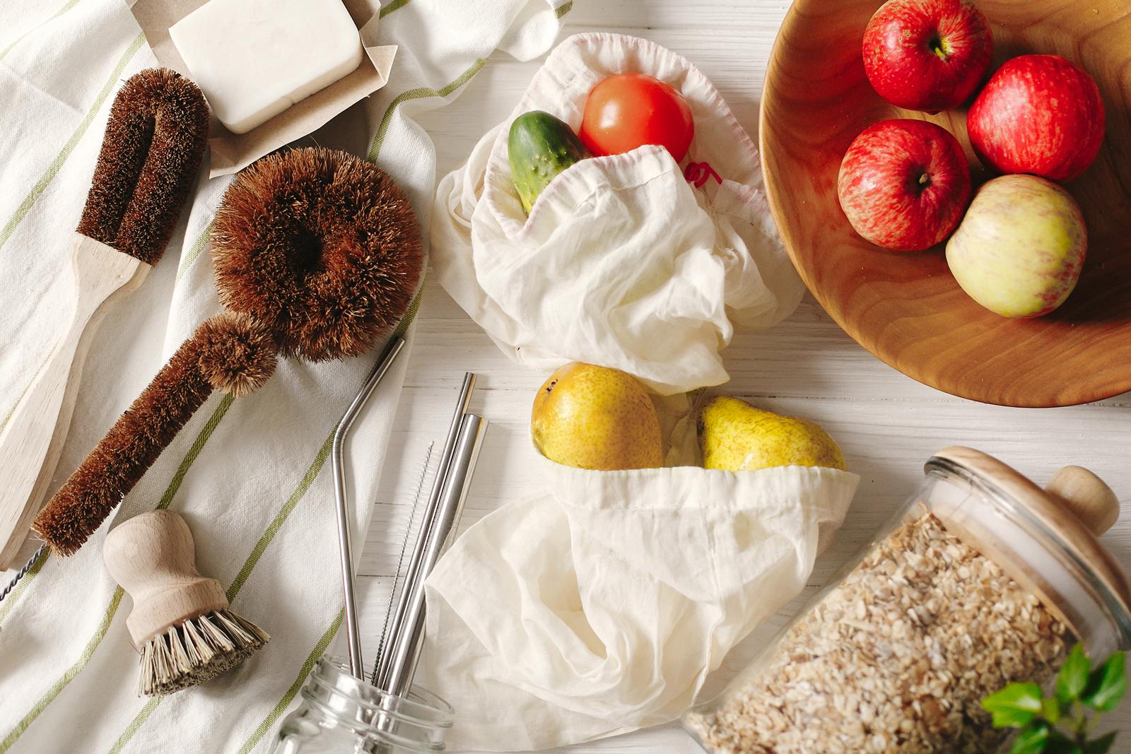 Unverpackt einkaufen: Lose Lebensmittel kannst du einfach in Stoffbeutel und Gläser füllen und aufbewahren.