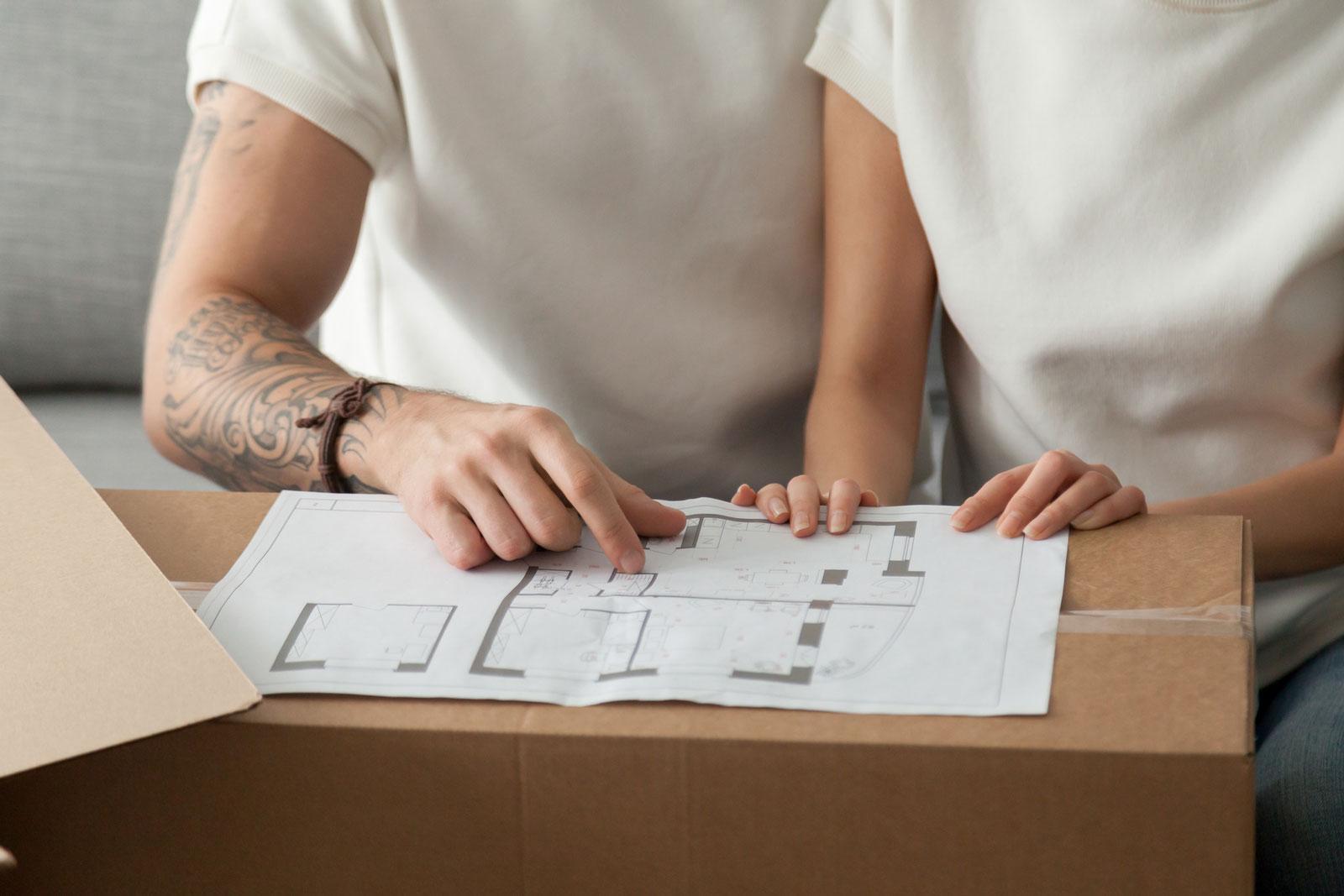Grundlage deines Hausbaus sind neben dem Bauvertrag die Ausführungspläne, in denen die Baudetails eingezeichnet sind.