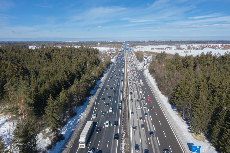 Hohes Reiseaufkommen: Nach Weihnachten kommen viele Touristen zum Skifahren. Aber auch vor den Feiertagen ist mit erhöhtem Verkehrsaufkommen zu rechnen.