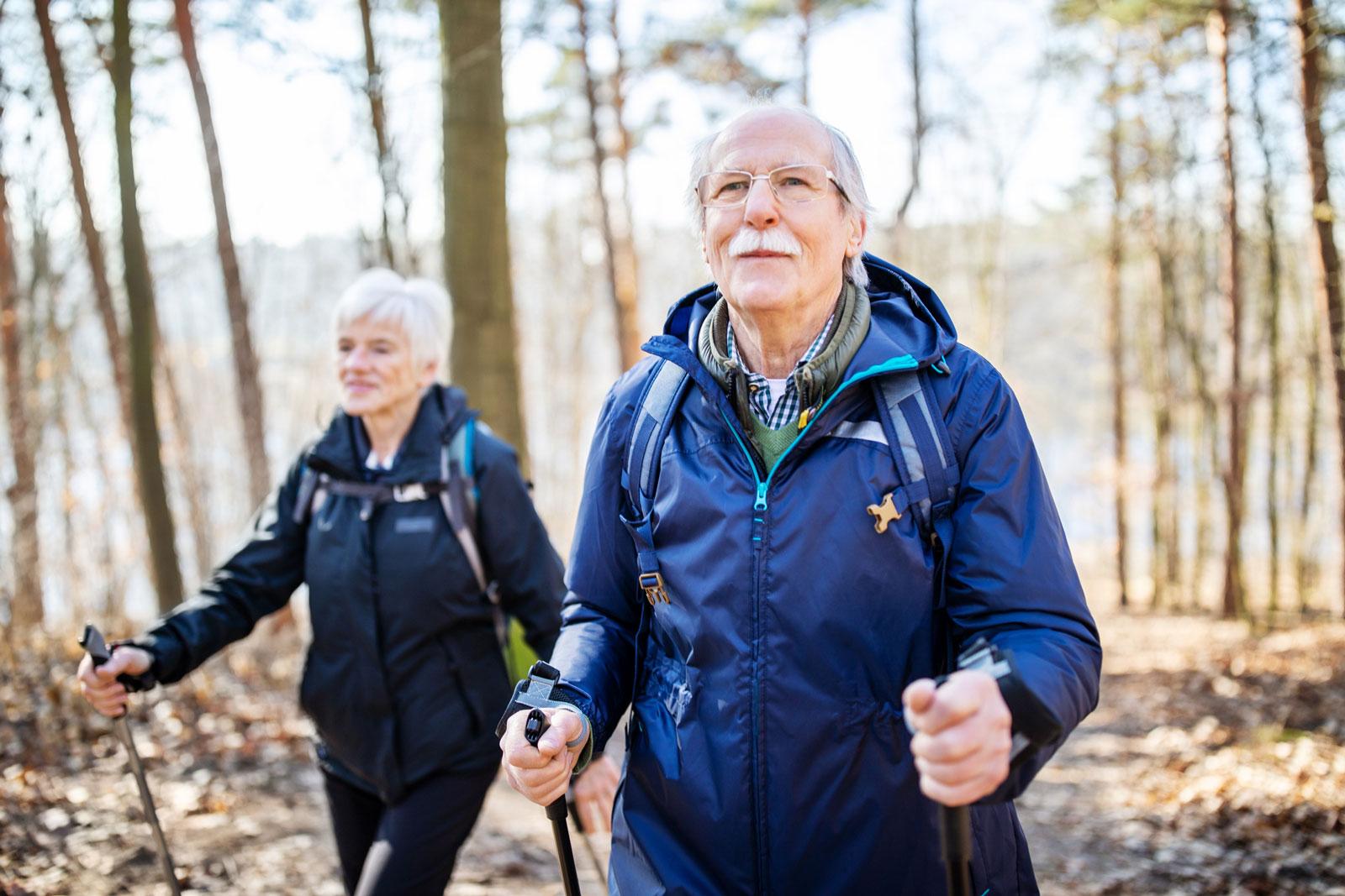 Lindert Beschwerden: Auch während einer Chemotherapie ist körperliche Aktivität ratsam.