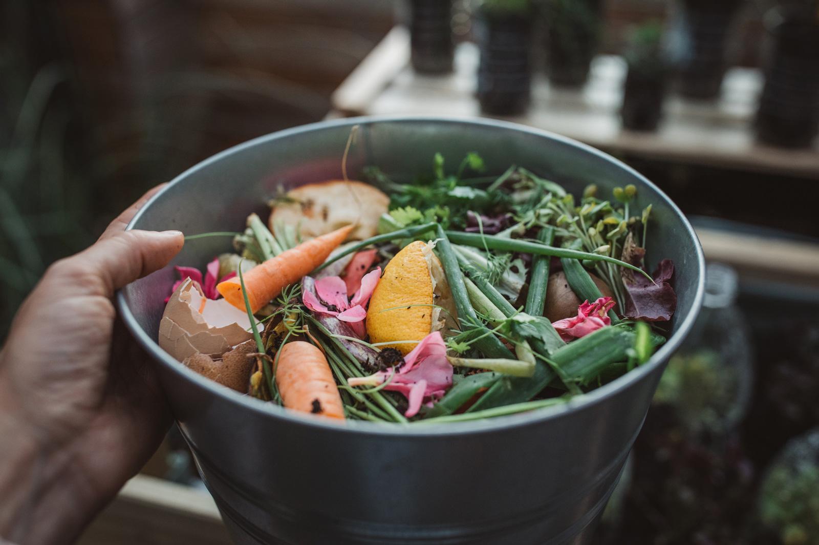 Organische Küchenabfälle werden im Kompost verwertet.