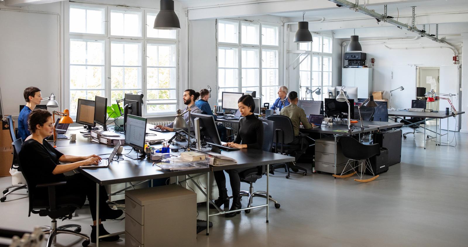 Bildschirmarbeit im Unternehmen: Software und Speicherplatz werden zunehmend gemietet.