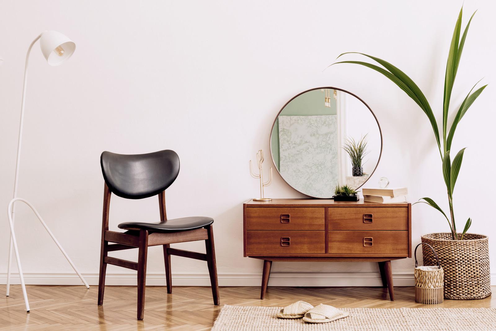 Leichtigkeit: kleine Möbel auf schlanken Beinen