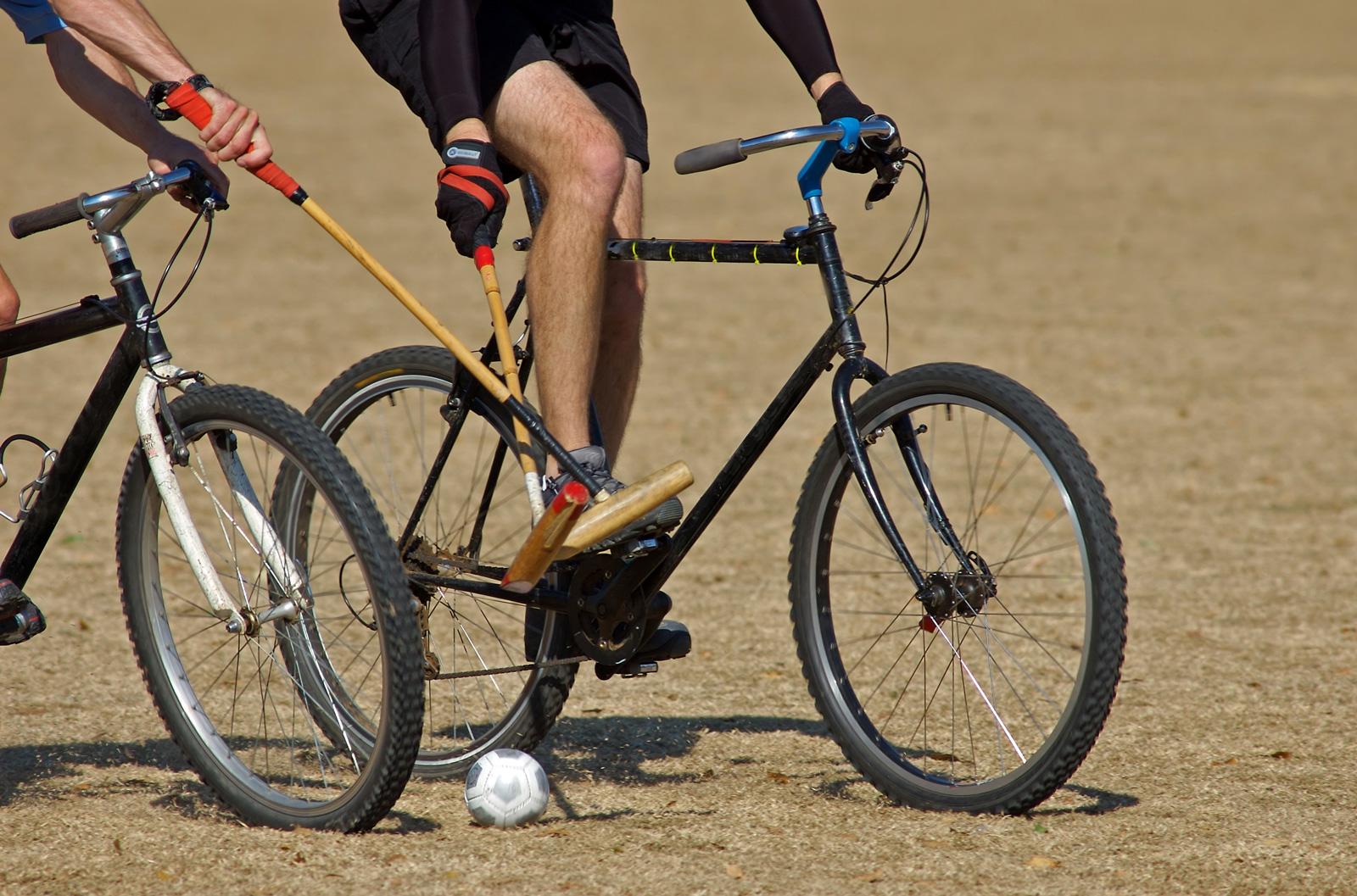 Räder statt Pferde: Bike-Polo