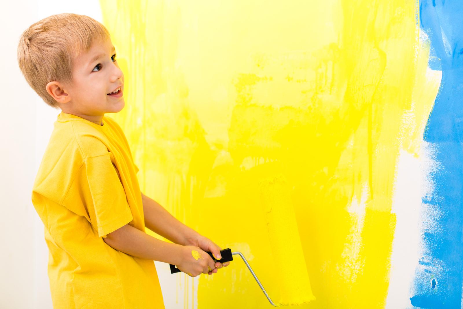 Das hellt jede Stimmung auf: Sonnengelb an den Wänden hebt unsere Laune.