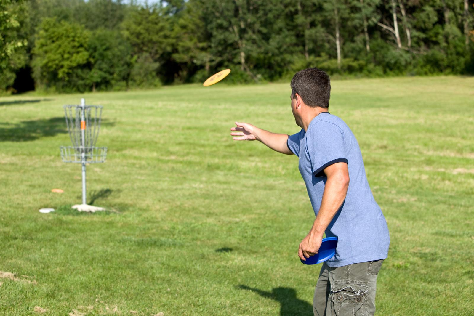 Golf ohne Schläger und ohne Ball: Discgolf