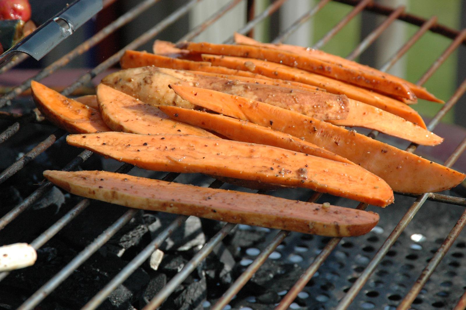 Es geht auch ohne Folie: Süßkartoffel-Scheiben