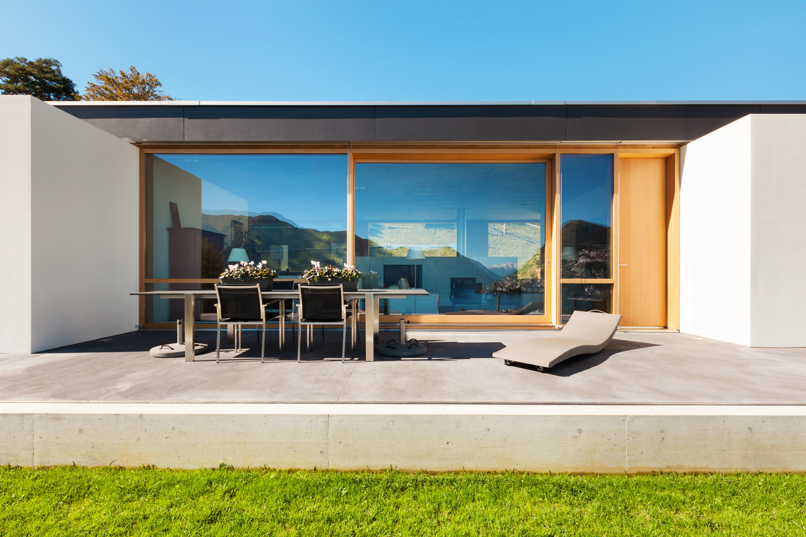 Betonböden: Der gegossene Terrassenboden wirkt besonders elegant.