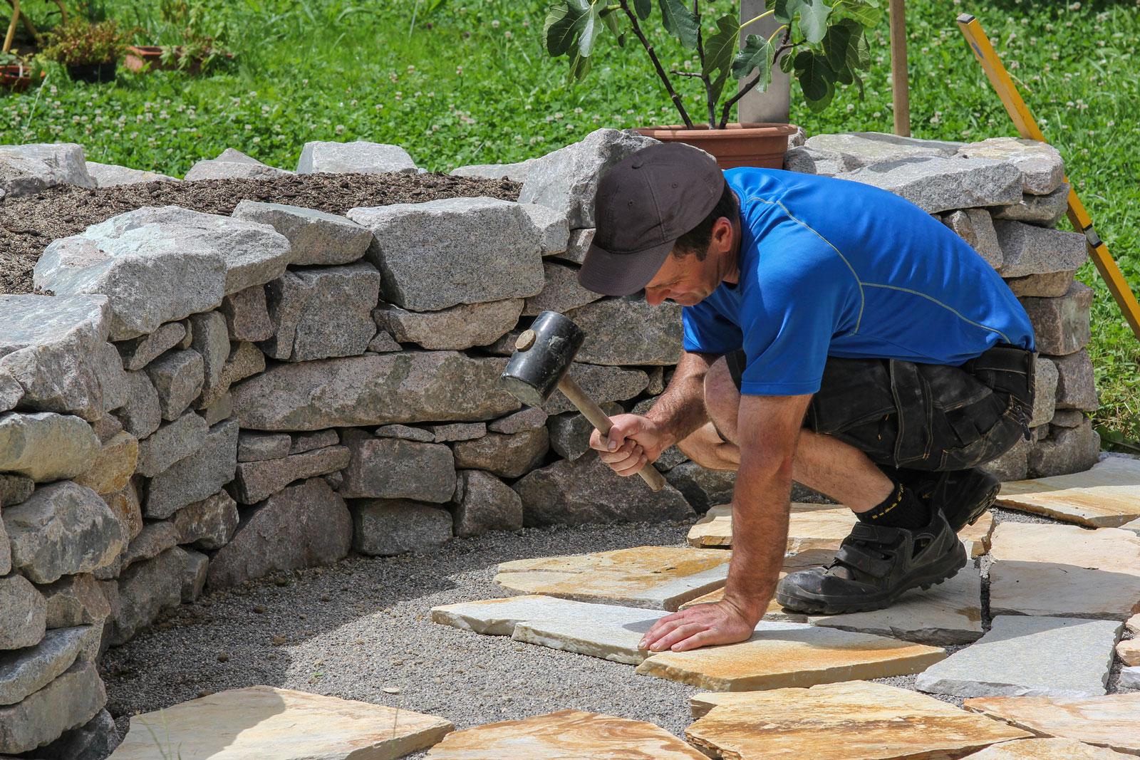 Puzzlespiel: Die Verlegung von Natursteinplatten