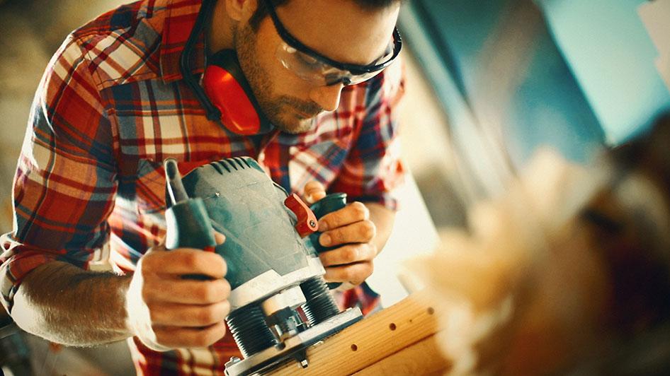 Eigenleistung kann im Bau viel Geld sparen. All zu leicht kann man sich dabei aber auch überschätzen.
