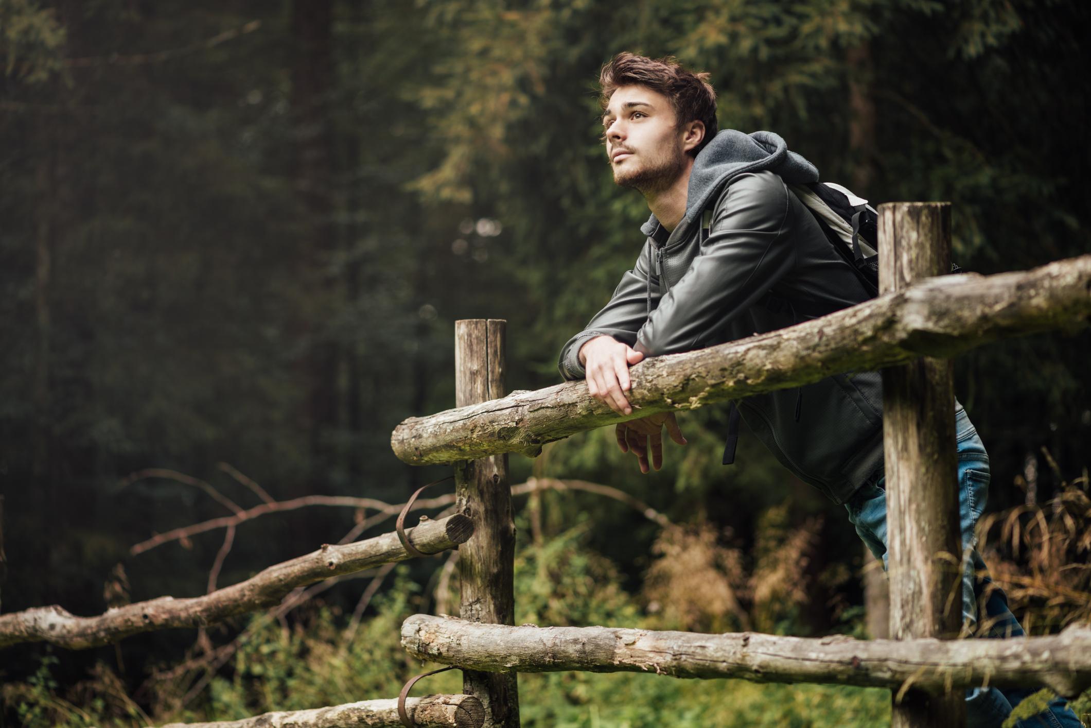 Nachmachen empfohlen: Österreich bietet mit 83.880 Quadratkilometer Waldfläche genügend Möglichkeiten für den Wellnesstrend.
