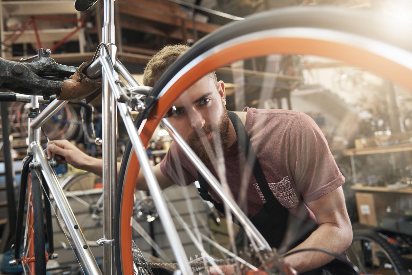 Der Fahrradmechaniker wird zum Fahrradmechatroniker