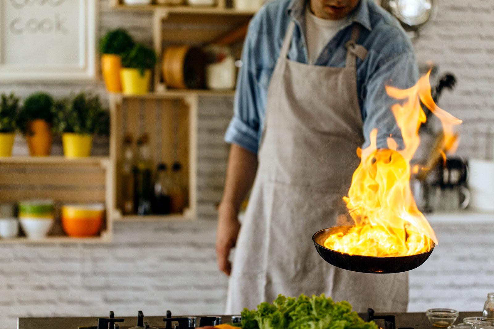 Vorsicht Flamme: Bei Brandwunden ist schnelles Handeln gefragt.