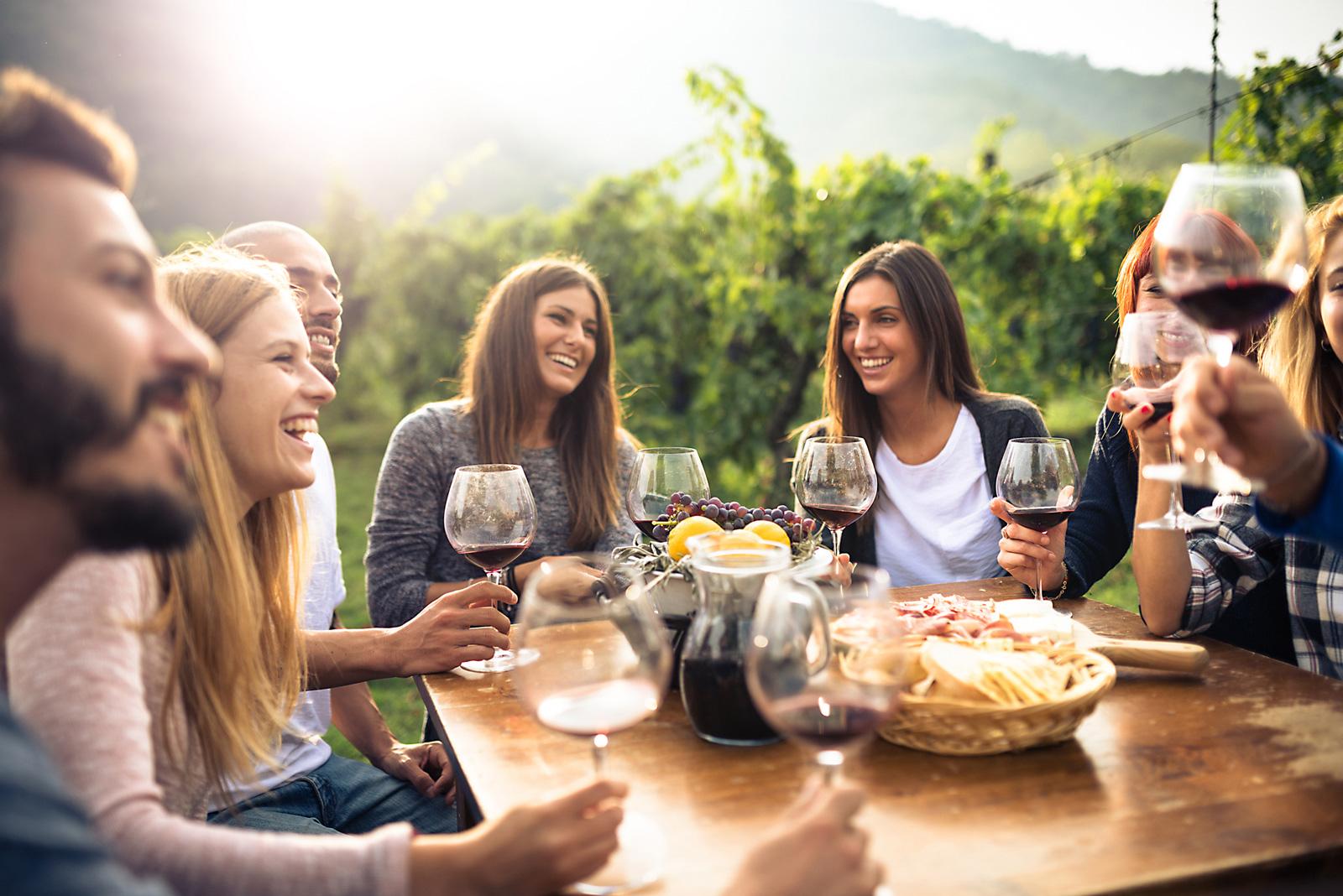 Zusammen Essen gehört zum gemeinsamen Urlaubsspaß