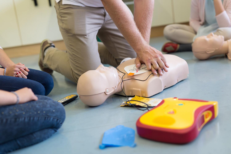 Erste-Hilfe-Kurs: Für Eltern gibt es speziell auf Kinder zugeschnittene Kurse.