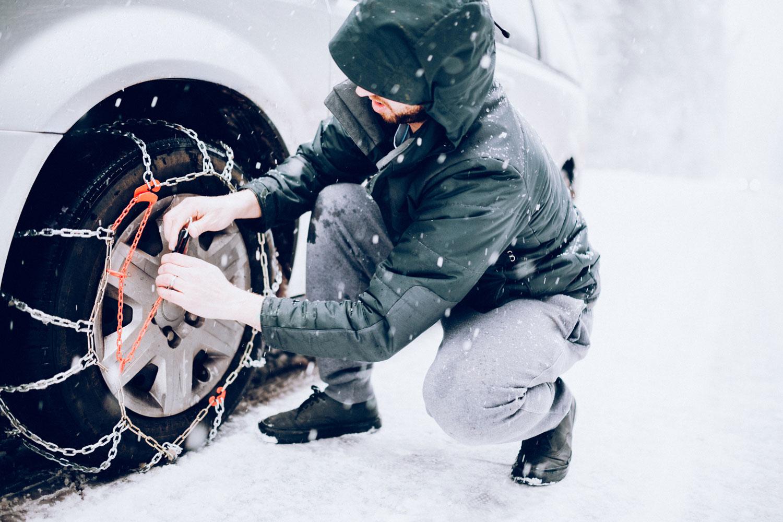 Pflicht: Von November bis April muss man Schneeketten im Auto dabei haben.