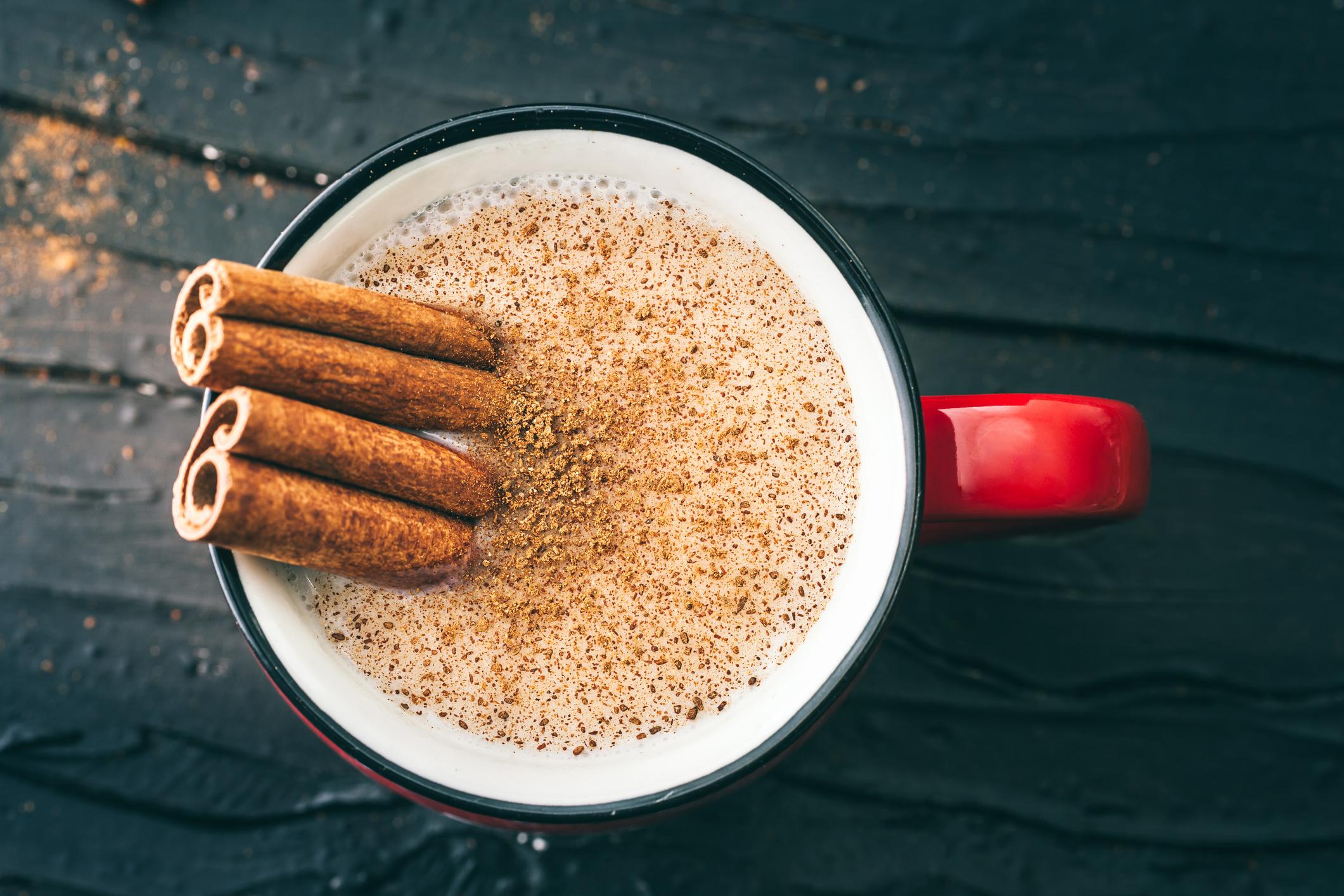 Besondere Note: Zimt schmeckt auch im Kaffee gut.