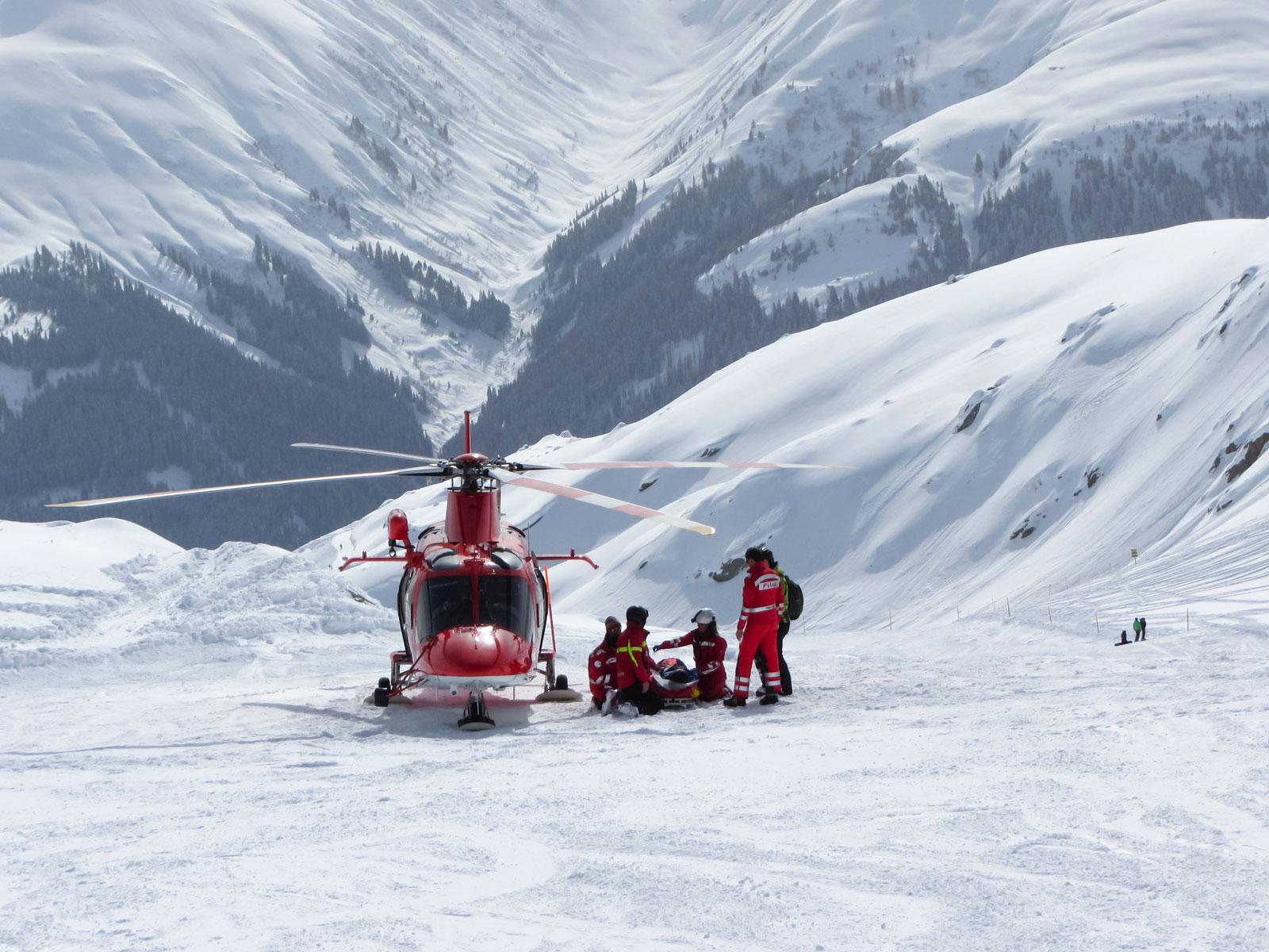 Bergrettung in den Schweizer Alpen: Nicht immer zahlt die Krankenkasse.