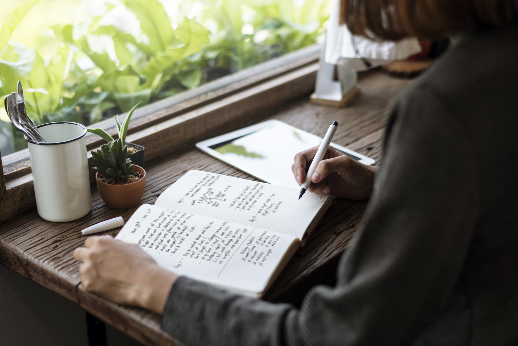 Weit mehr als ein Terminplaner: In deinem Bullet Journal kannst du dich kreativ austoben.