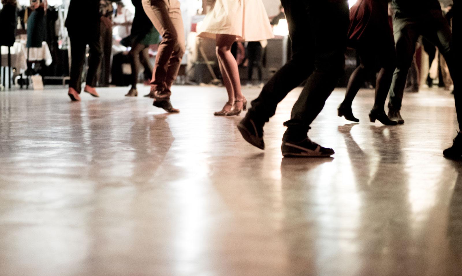 Tanzen ist ein bisschen wie Medizin: Es stärkt deine Ausdauer, Kraft, Beweglichkeit und das vegetative Nervensystem.