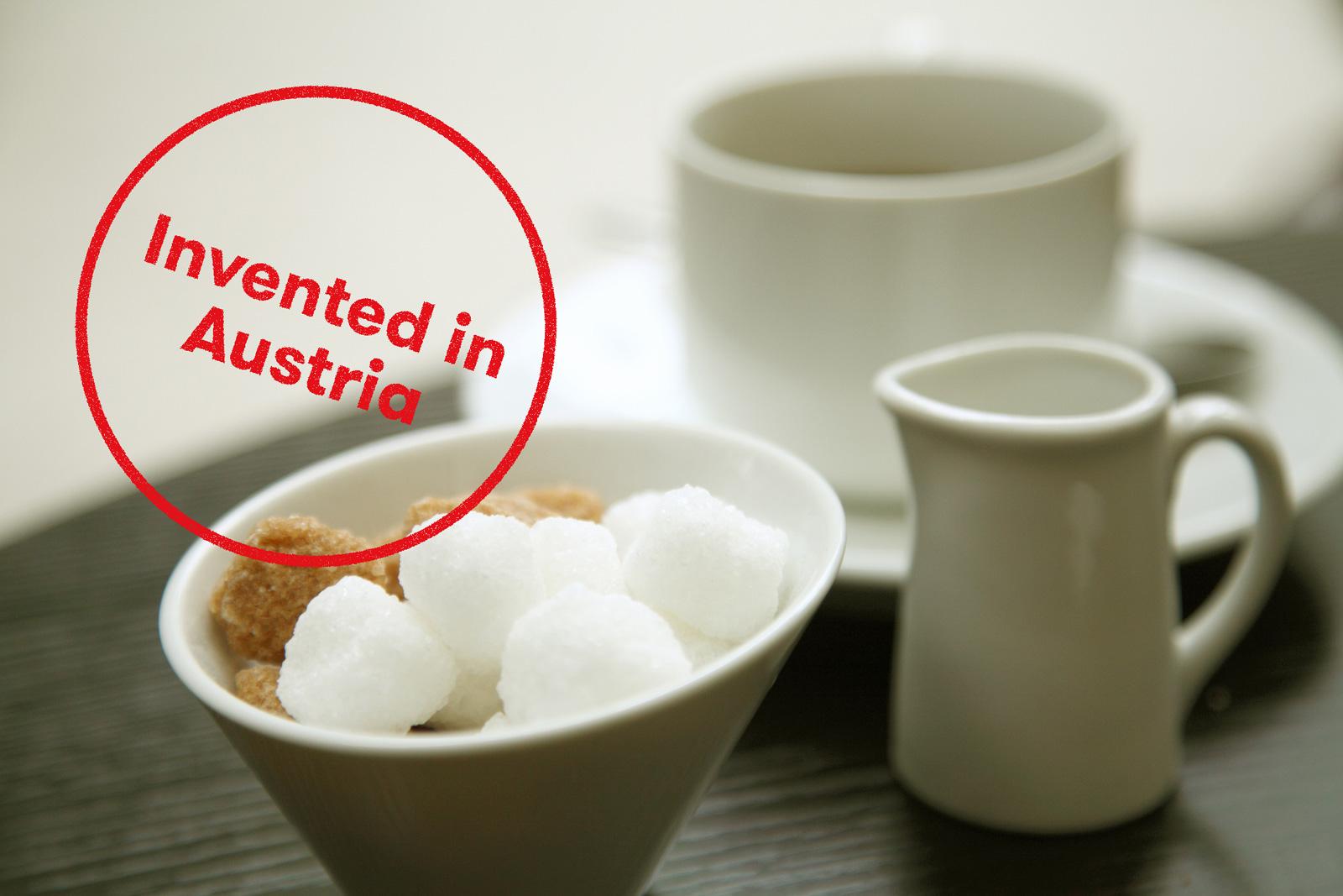 Wie bekommt man Zucker verletzungsfrei in eine Tasse?