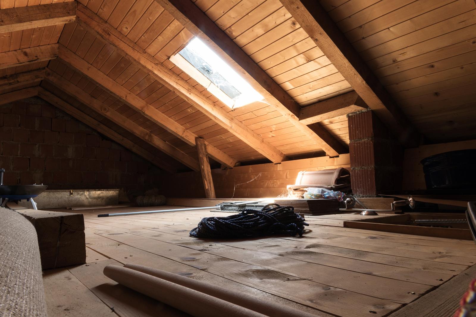 Bestandsaufnahme: Der vorhandene Raum muss nicht nur bautechnisch, sondern auch auf die eigenen Vorstellungen hin geprüft werden.