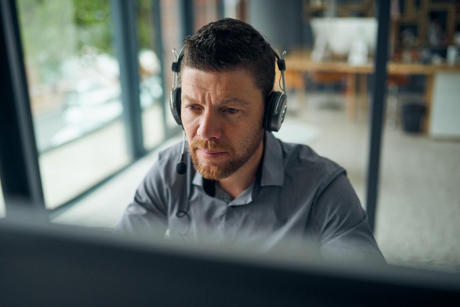 Erwerbstätige brauchen eine Grundbasis an digitalen Kompetenzen