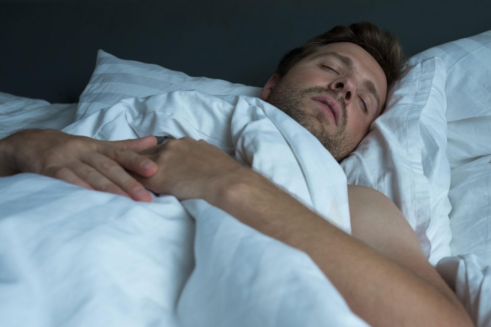 Erholungsphase: Wir brauchen guten Schlaf, um Kraft für den nächsten Tag zu tanken. Doch das gelingt uns immer seltener: Rund die Hälfte der Österreicher hat Probleme durchzuschlafen.