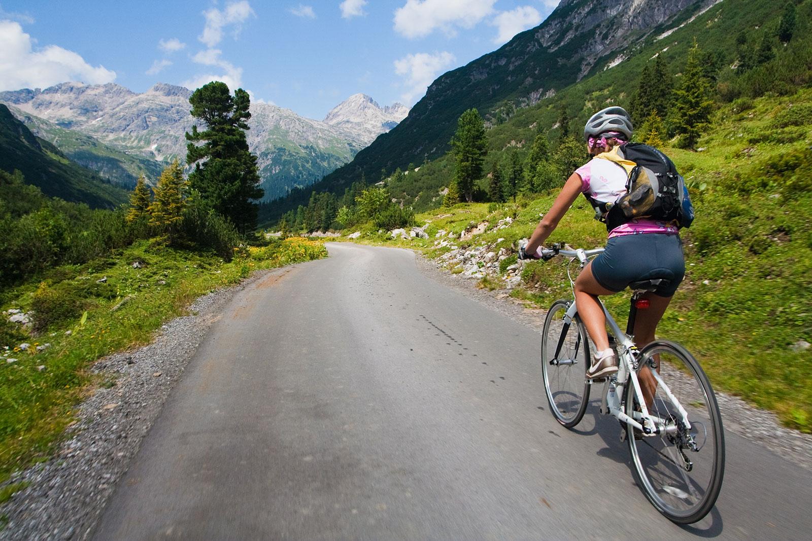 Blick nach vorn: Mehr als 10.000 Kilometer Radwanderwege durchziehen Österreich und führen zu den schönsten Orten des Landes.
