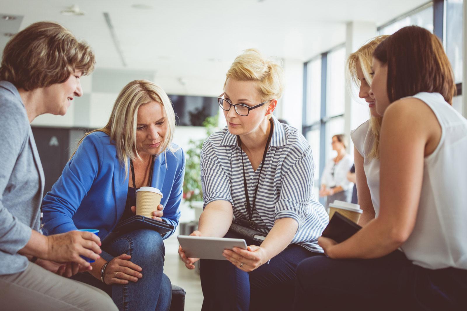 Vorsorge für Frauen: Spezielle Angebote wollen Frauen den Einstieg in den Vermögensaufbau erleichtern.