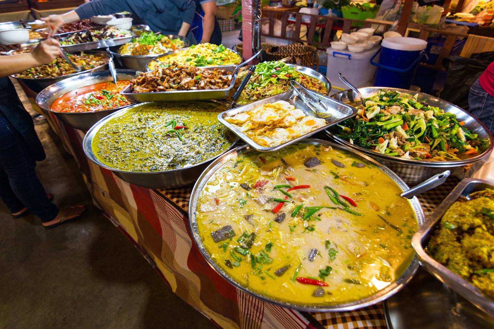 Streetfood-Markt in Bangkok: Schärfe ist für Europäer gewöhnungsbedürftig