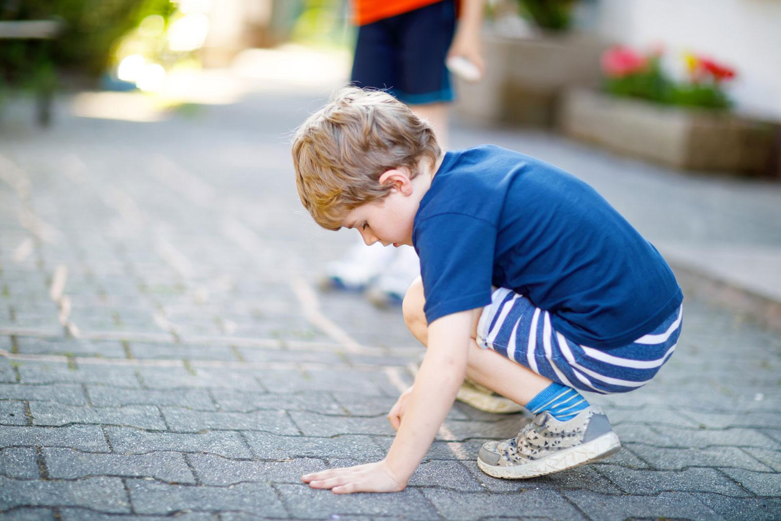 Verbundsteine: Das Ineinandergreifen verhindert, dass sich die Steine verdrehen oder verschieben.