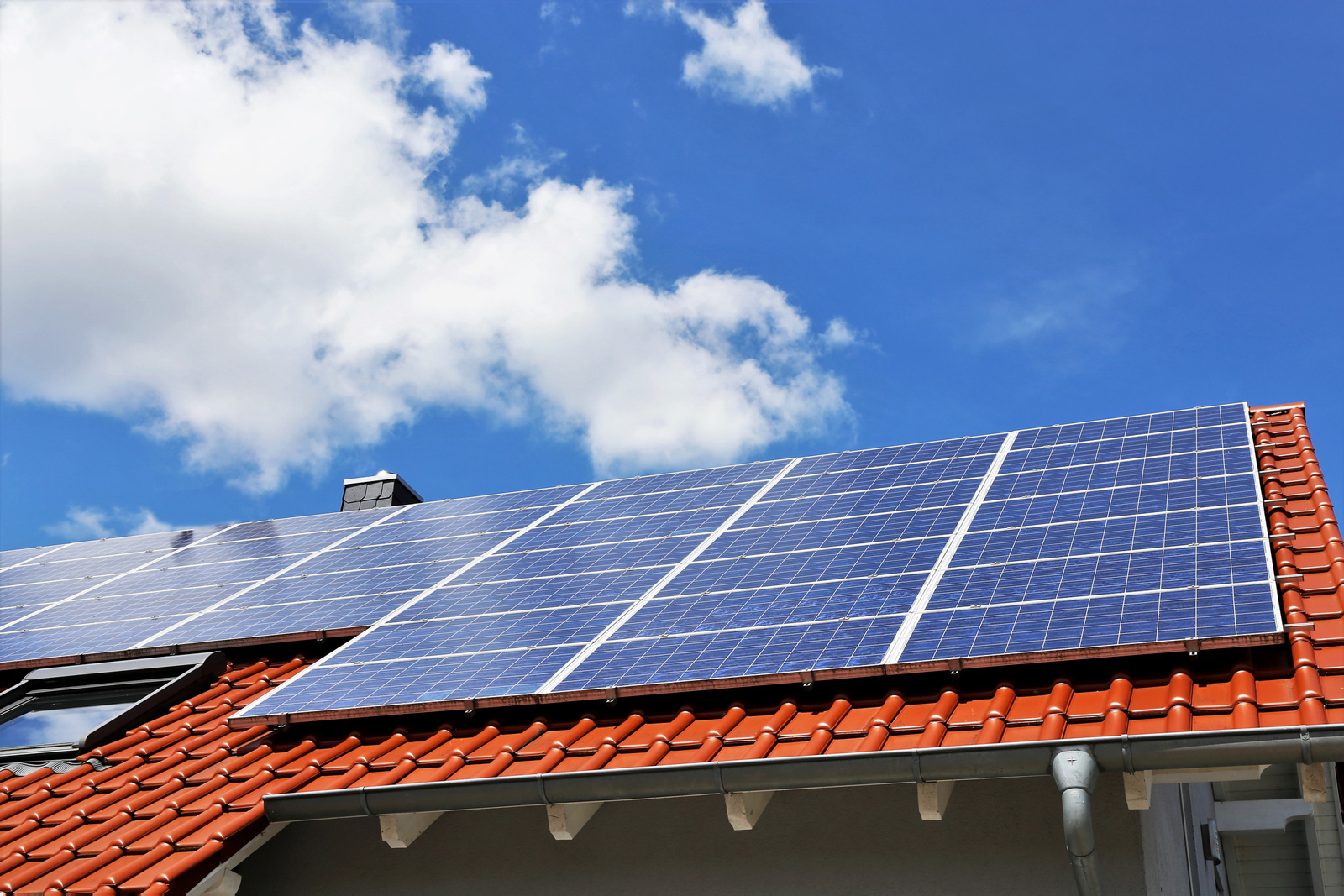 Je mehr Energie das künftige Eigenheim einspart, desto mehr Förderung kannst du für den Bau erhalten.